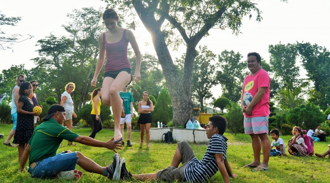 Volunteers gain sports coaching work experience in the Philippines by arranging fun sports events